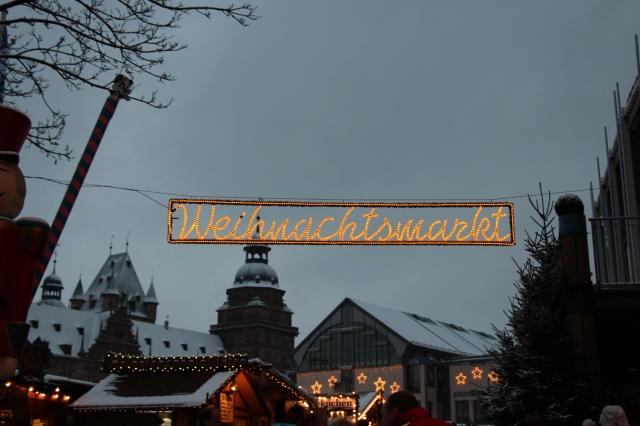 Weinachtsmarkt=Christmas market in German.
