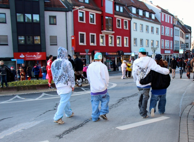 On some streets, this might appear to be just a normal group of teenagers. These, however, were German teenagers dressed as gangstas!