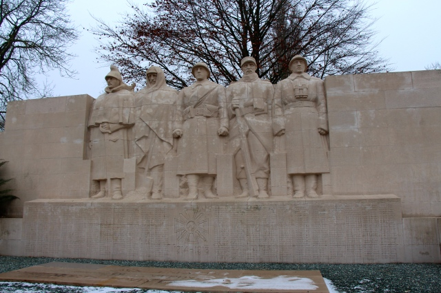 monument to soldiers in Downtown Verdun. Just behind this wall is another battlefield/fort area, but it wasn't open.