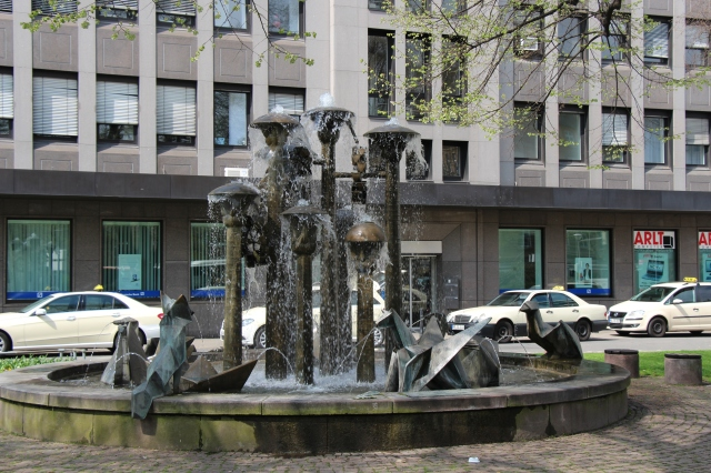One of the many fountains in Mannheim.